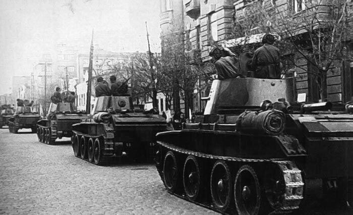 Советские войска входят в польский Львов в 1939 году