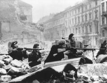 баррикада польских повстанцев в Варшаве